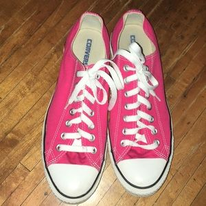 Pink Converse Chucks, low top sneakers
